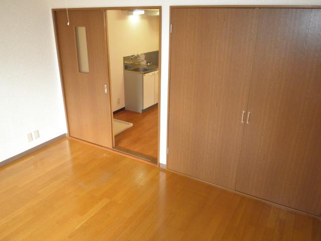 フォレストヒルズ 305号室のリビング