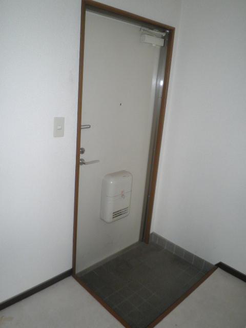 フォレストヒルズ 301号室の玄関