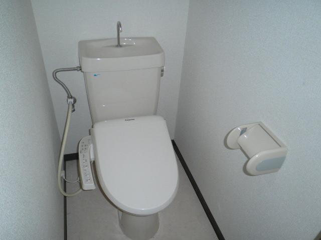 フォレストヒルズ 301号室のトイレ