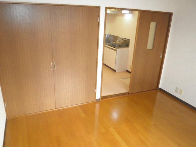 フォレストヒルズ 302号室の居室