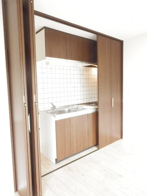 メゾン・イワカミA 101号室のキッチン