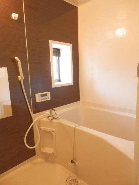 メゾン・イワカミA 101号室の風呂