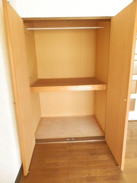 メゾンドココ 307号室の収納