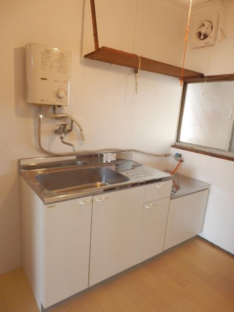 八幡山ハイツ 206号室のキッチン