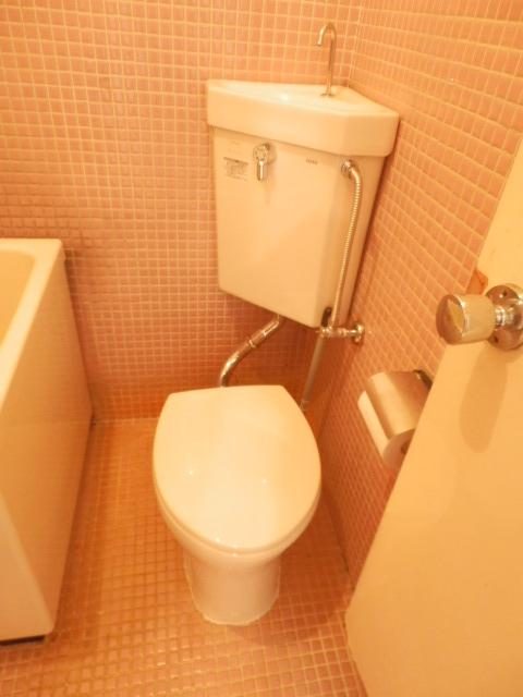 八幡山ハイツ 206号室のトイレ