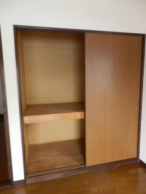 ウッディハイツ Ⅱ 201号室の収納