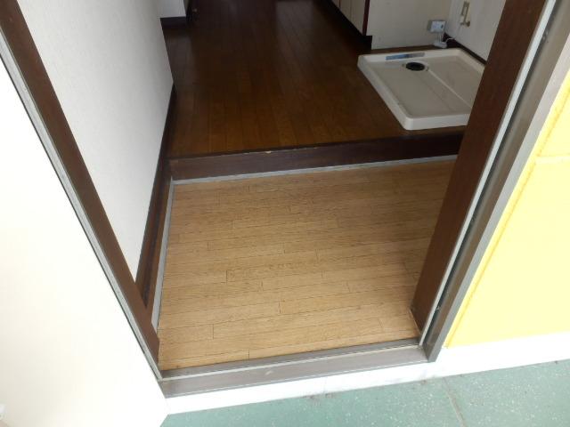 ウッディハイツ Ⅱ 201号室の玄関