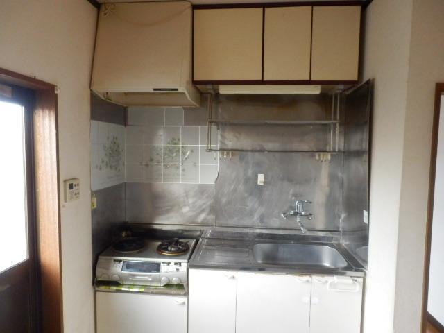 不動前貸家東棟のキッチン