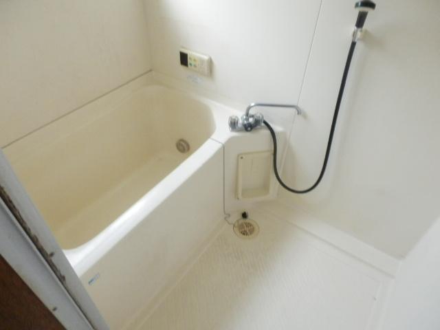 不動前貸家東棟の風呂