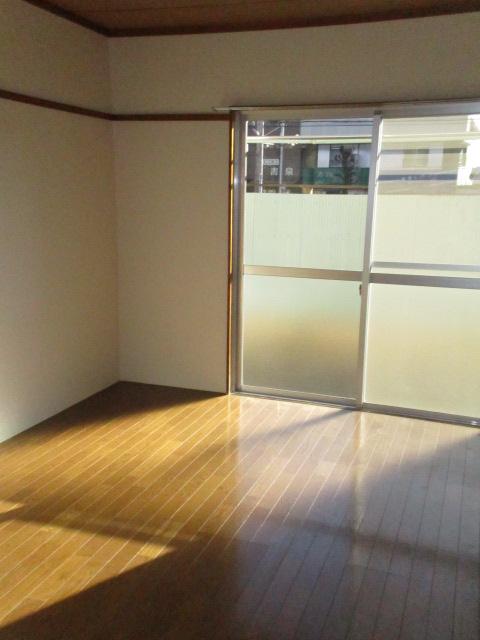 コーポ中村Ⅱ 107号室のリビング