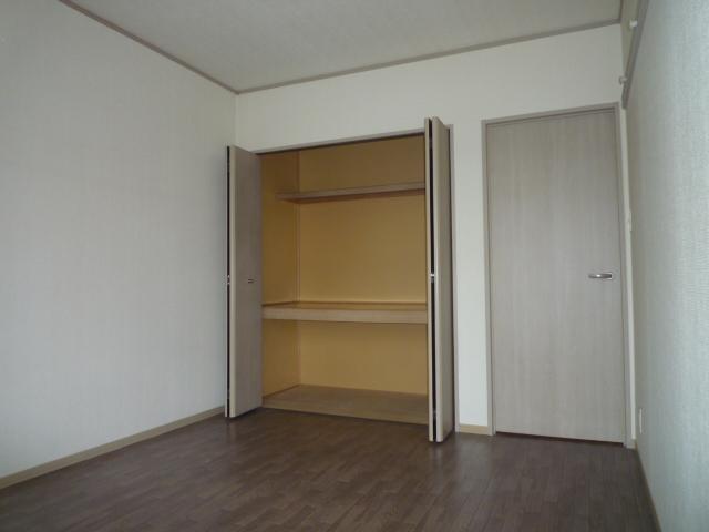 グリーンハイツ尾崎台A 202号室の収納
