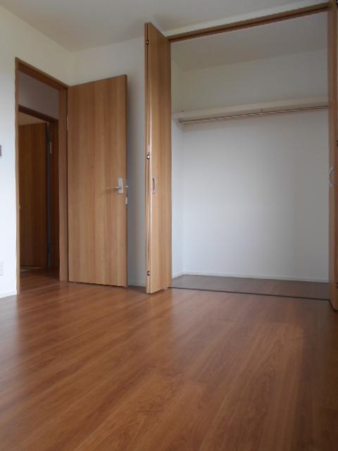 REPOS 203号室のベッドルーム