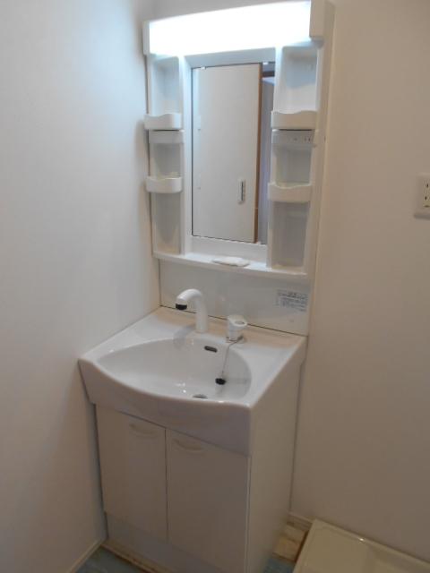 REPOS 203号室の洗面所
