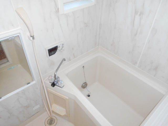 サンメゾネットBの風呂
