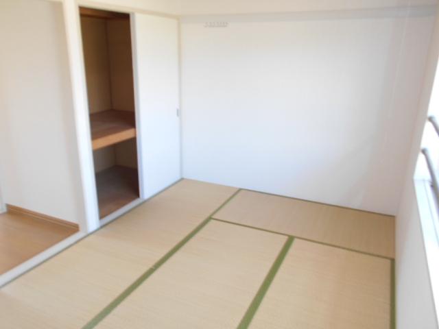 サンメゾネットBの居室