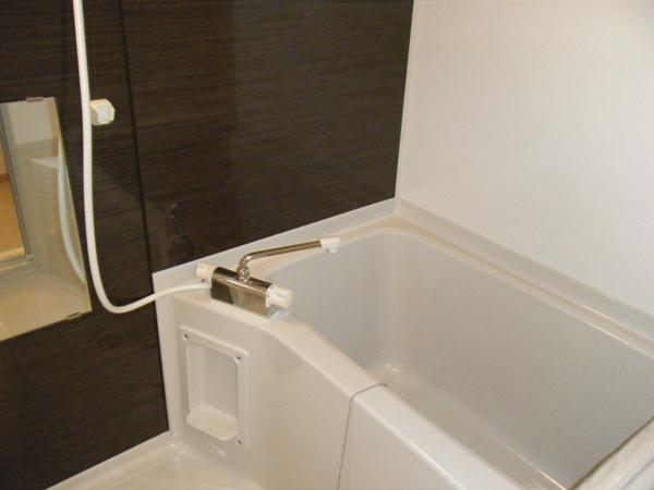 モン レーヴ 301号室の風呂