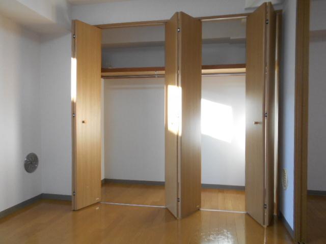 サウス鴨宮 202号室の収納