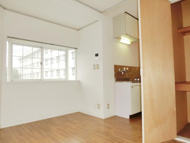 エステートピア清門 201号室の居室