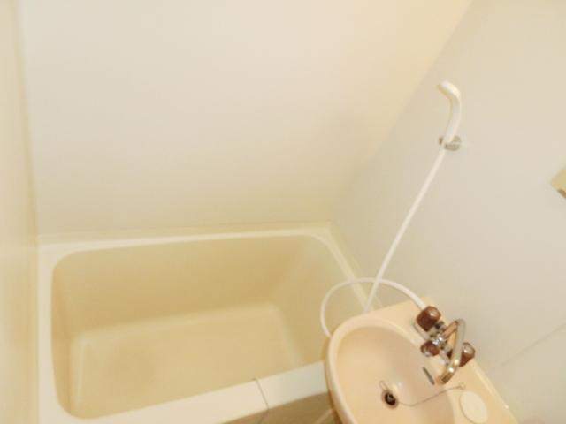 エステートピア清門 201号室の風呂