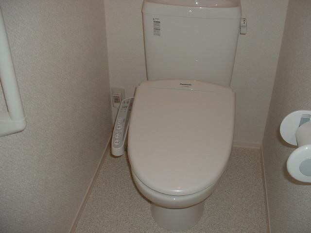 ヴァンヴィーブル早稲田 101号室のトイレ