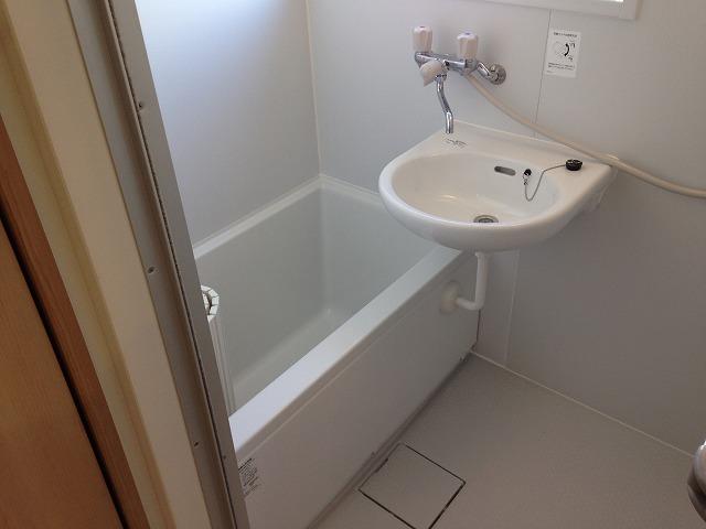 泉ビル 401号室の風呂