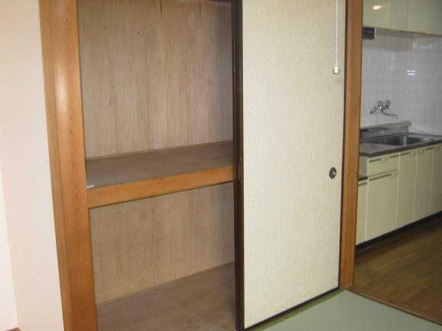 ホライゾン堀口 201号室の収納