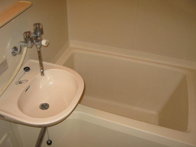 ホライゾン堀口 201号室の風呂