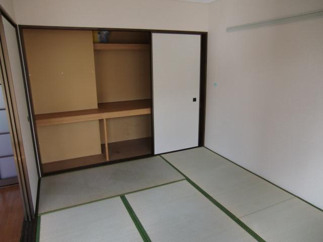 オークス豊春 201号室の収納