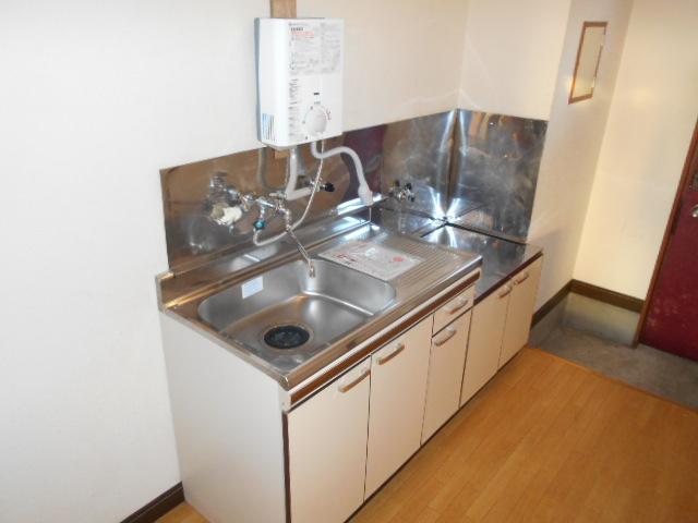 ハイツ石原 105号室のキッチン