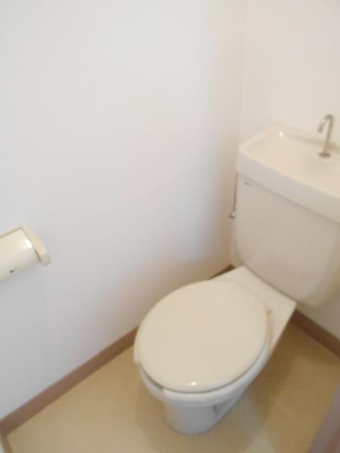 セルアーモ北春日部白石Ⅰ 203号室のトイレ