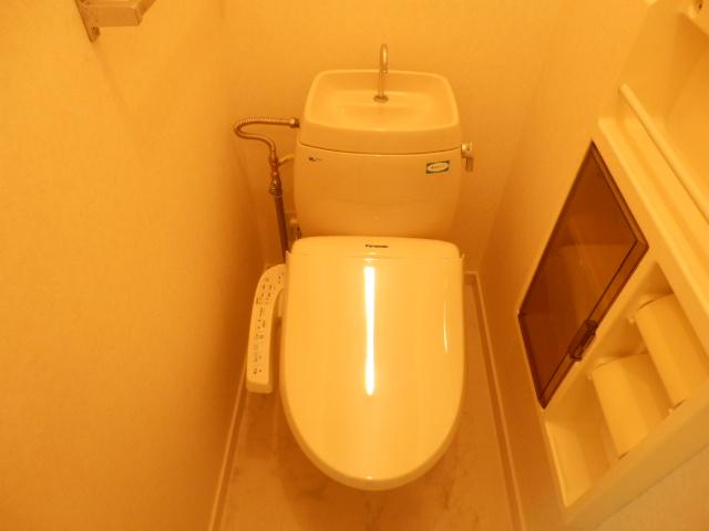 ヴィラセイワB 201号室のトイレ