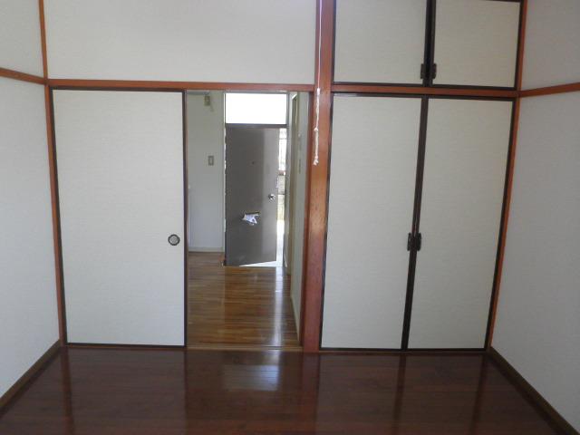 サンコーポ 102号室のリビング