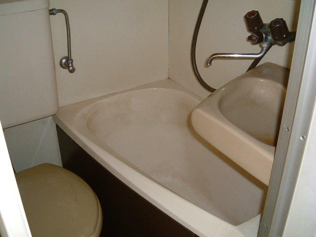 ネオフラッツ三山 102号室の風呂