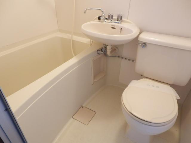 ヒルズミヤマ 201号室の風呂