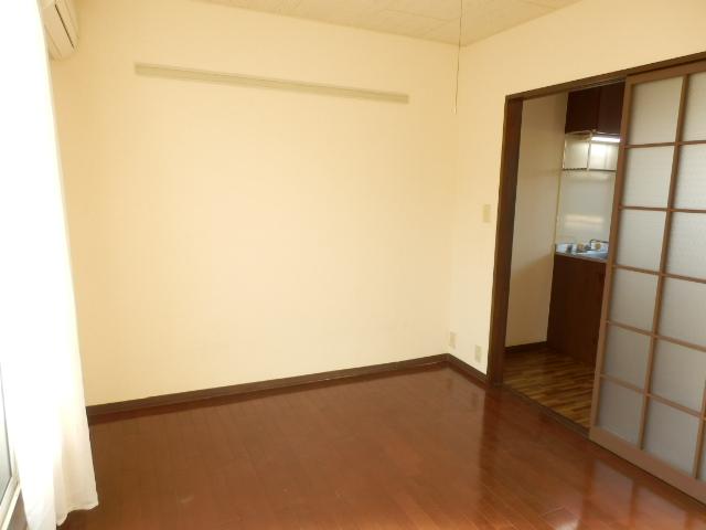 ヒルズミヤマ 102号室の居室