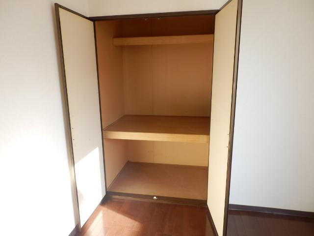 ヒルズミヤマ 102号室の収納