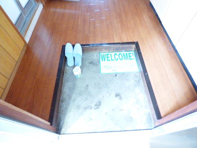 緑荘 202号室の玄関