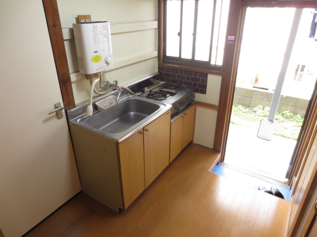 末広荘 203号室のキッチン