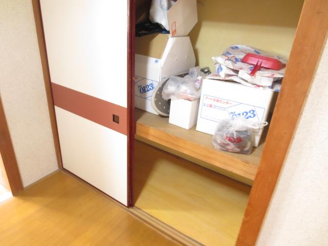 末広荘 203号室の収納