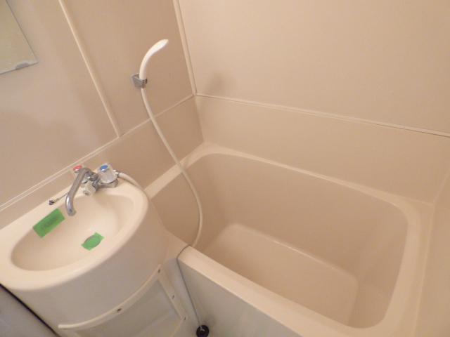ジュネパレス習志野第14 204号室の風呂