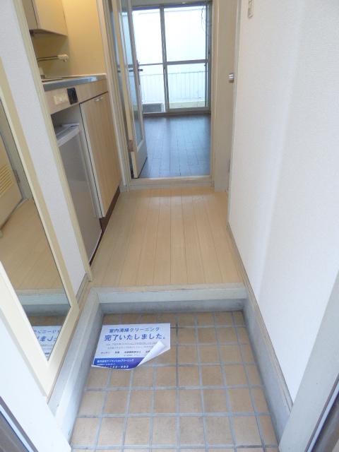 ジュネパレス習志野第14 204号室の玄関