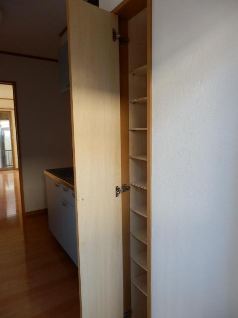 ラスティ・コーポ 105号室の玄関