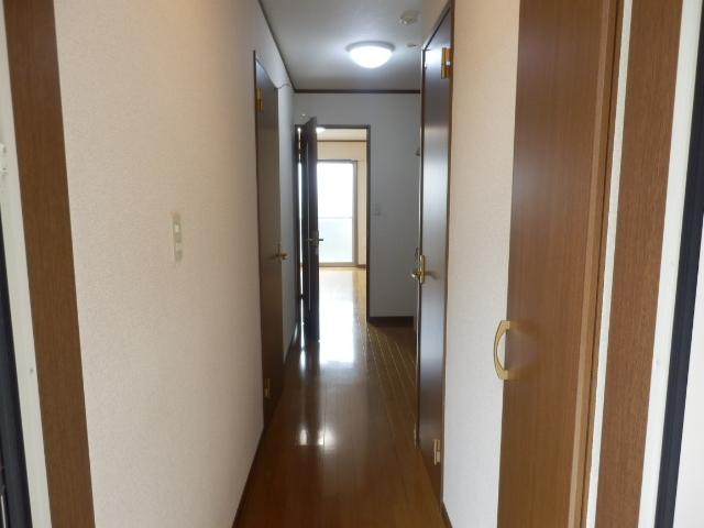 アムール MIYAMA 104号室のエントランス