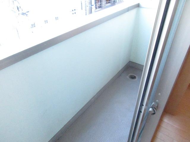 エクセレントショア 402号室のバルコニー