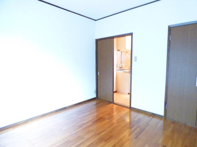 サンコーポ広瀬 102号室のリビング