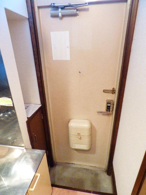 サンコーポ広瀬 107号室の玄関
