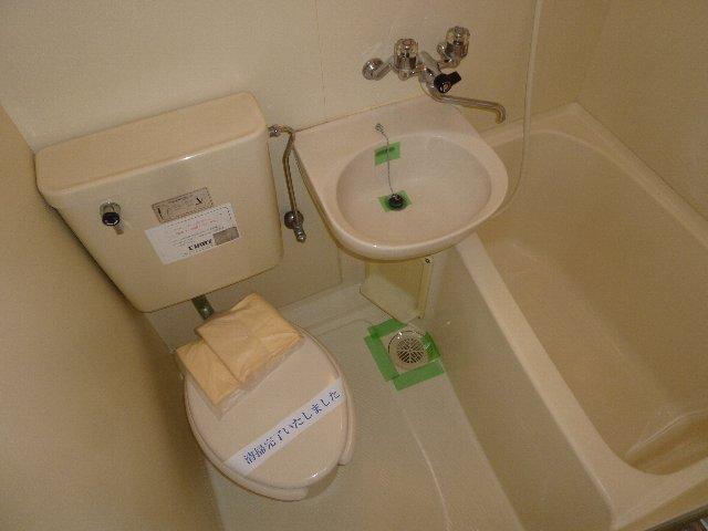ジュネパレス習志野第08 102号室の風呂