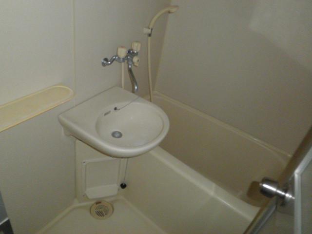 ドミールパスァパス 103号室の風呂