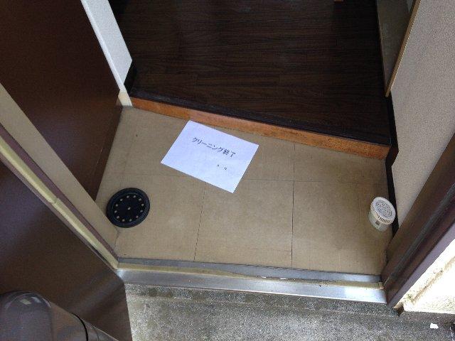佐生マンション 302号室の玄関