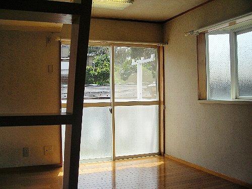 フラッツ横浜 101号室のリビング